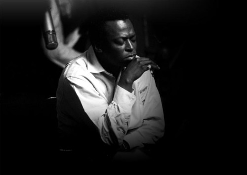 Images at milesdavis.com